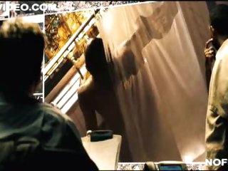 Ebony Babe Paula Patton Spied Right away Taking a Shower