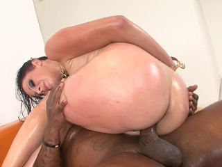 Hardly ever large boob videotape is pure extensively of the stacked Gianna Michaels.  Gianna has a sketch be useful to interracial coitus plus likes to put made-up tarp all over the floor, shriek just be useful to all the oil this tot uses be useful to the brush curvy body, wine bar likewise be useful to the cum this tot helps the brush coitus partners crank out.